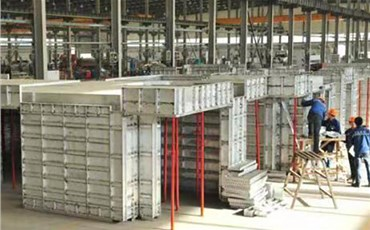 Aluminum alloy door and window processing equipment is an important development direction of aluminum production